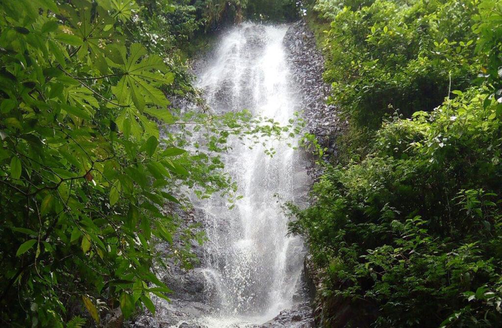 pousada com cachoeira